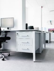 Столы AIR в офисе компании УТК