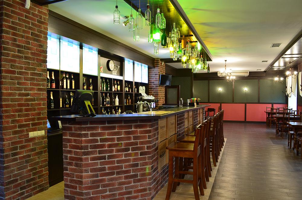 Ресторан Roman'S - барная стойка - стлашница из массива