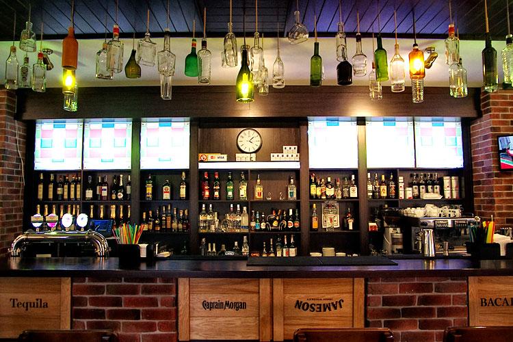 Барная зона ресторана Roman'S