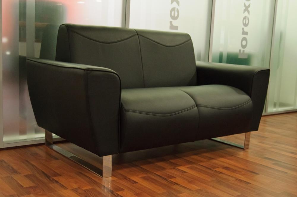 Удобный офисный диван