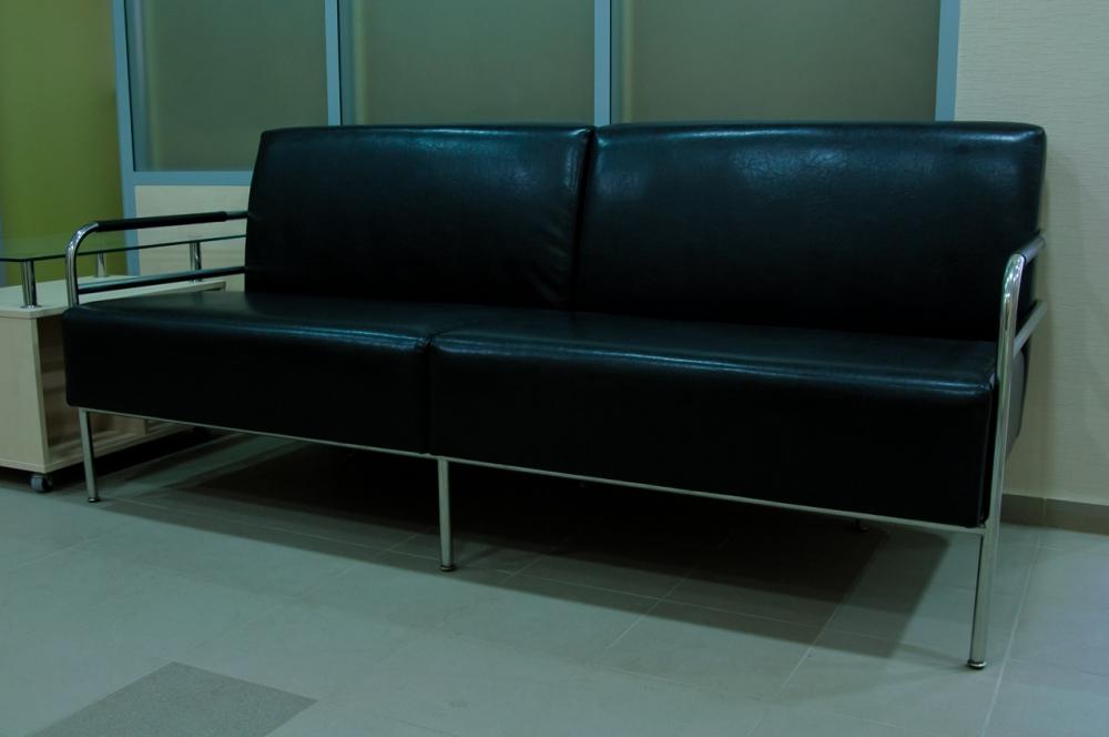 Удобный диван в офис