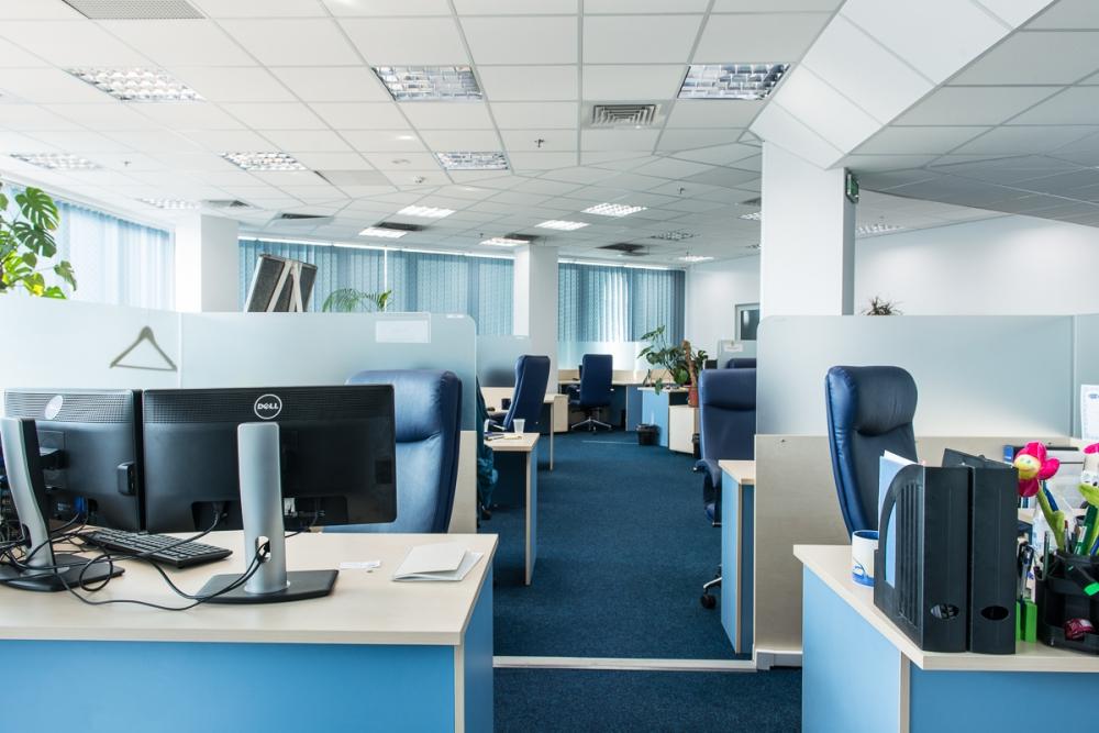 Расстановка мебели для персонала в офисе