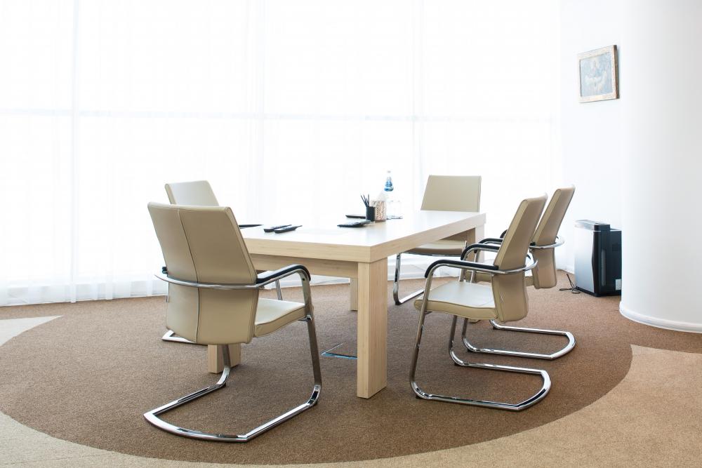 Стол и стулья для переговорной и кабинета руководителя