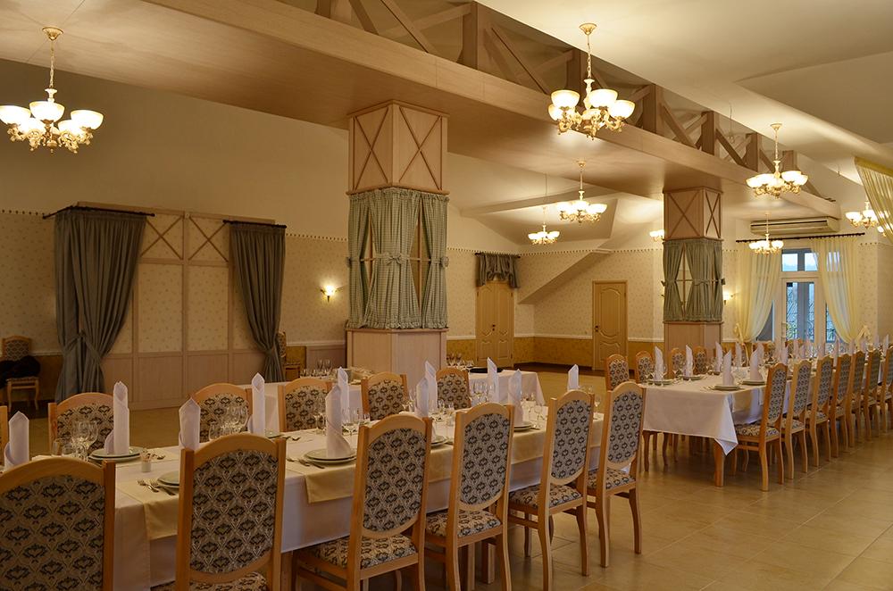 Мебель в банкетный зал ресторана Roman'S