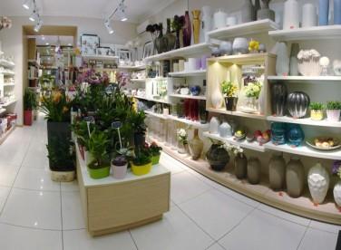 Бутик цветов и предметов декора