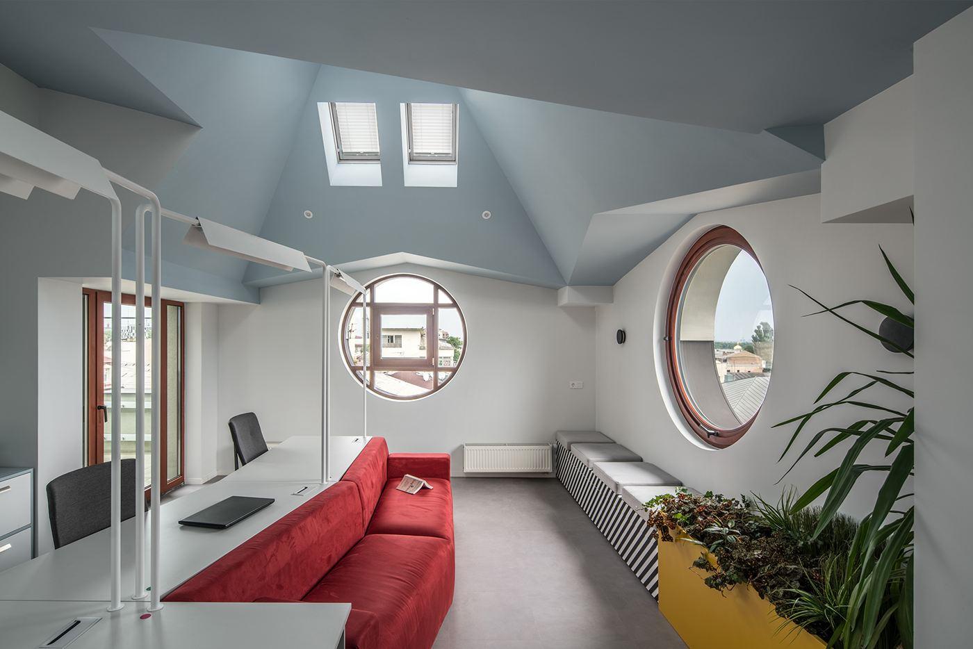 мансардная комната в офисе для релакса