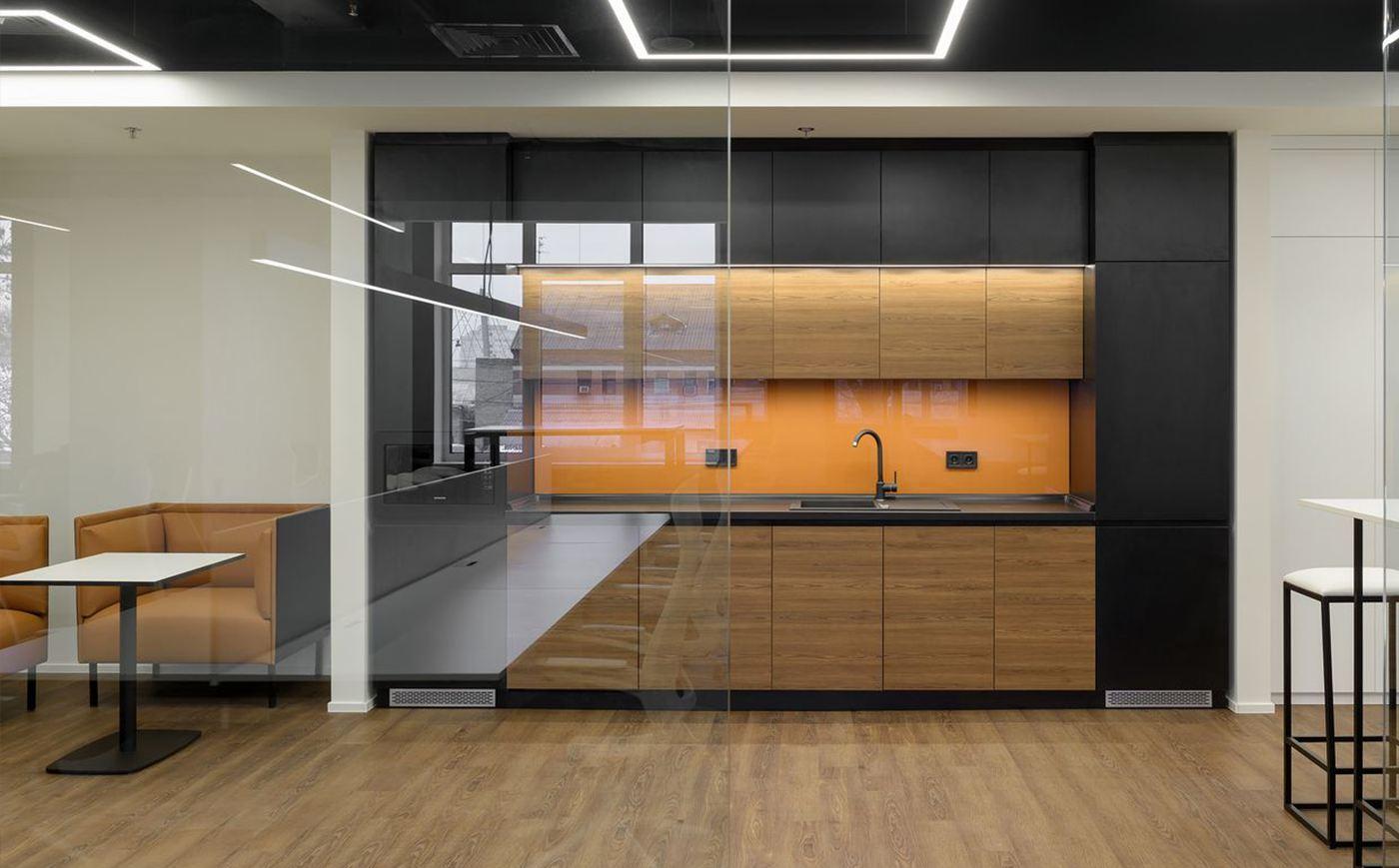 лед-подсветка ключевой элемент офисной кухни